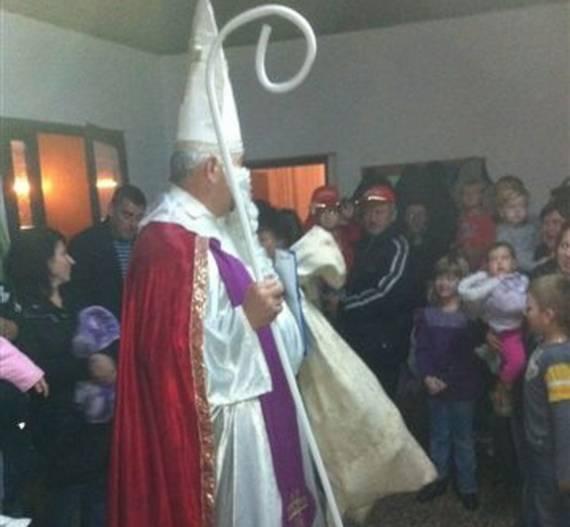 Sv. Nikola posjetio Kutinu i okolicu