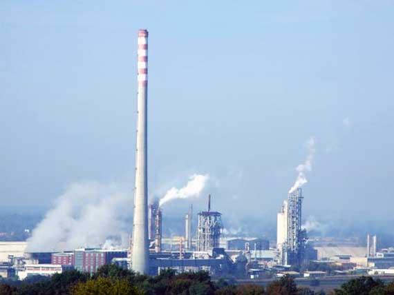 Zašto kutinska politika šuti o problemima Petrokemije?
