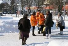 Galerija: Mladi HNS-ovci danas dijelili poklone građanima povodom Valentinova