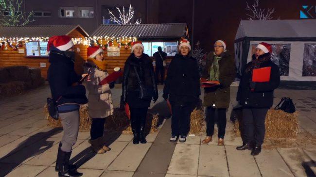 """Video: Rusalke upotpunile Zimsku čaroliju programom """"Božić ide niz ulicu"""""""