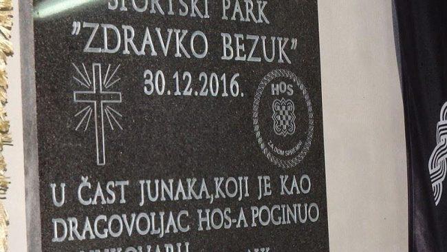 """Spomen ploča Zdravku Bezuku s natpisom """"Za dom spremni"""" uzburkala Hrvatsku"""